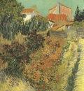 garden behind a house, arles