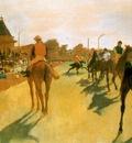 vers Degas Chevaux de Course devant les tribunes